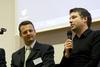 Jaka Levstek (desno) za udarnim okruglim stolom na ?etvrtoj web konferenciji pod moderatorskom palicom Davora Mari?i?a (lijevo)
