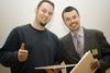 Goran Peuc iz Nivasa sa osmjehom na licu prima Zlatnu nagradu Web::Strategije