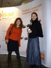 Dame iz web development tvrtki na WS7 - Yumiko Yasue iz C-studija i Sandra Kušek iz Internet Softvera, a u pozadini Smijesak.hr pano
