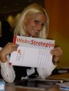 Simpati?na hostesa Zorana sa prve regionalne SEO konferencije